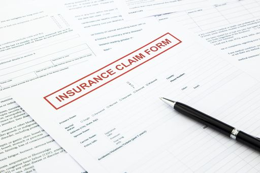 What Do Auto Insurance Claims Adjusters Do?